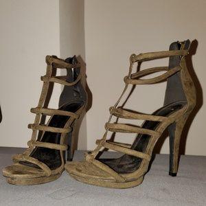 Olive greens heel. Brand new